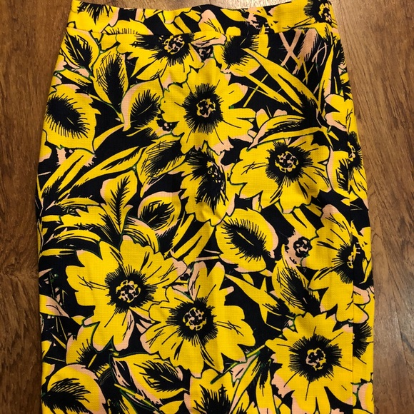 J. Crew Dresses & Skirts - J Crew The Pencil Skirt 00 floral nordstrom